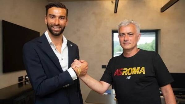 Roma signed goalkeeper Rui Patricio from Wolves