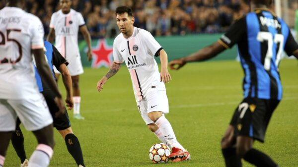 Lionel Messi awaits his first goal in league with PSG